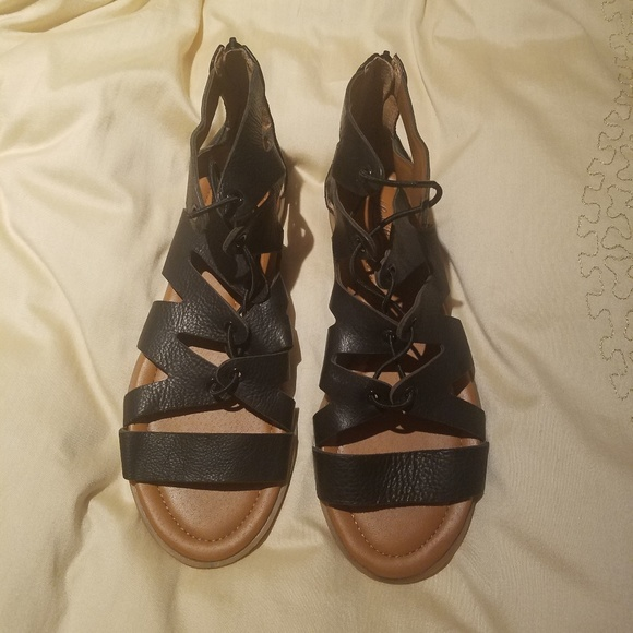 Lucky Brand Shoes - Lucky Brand Leather Sandal
